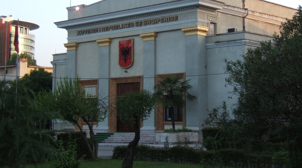 Osservatorio italiano albania il 9 settembre si for Nuovo parlamento italiano