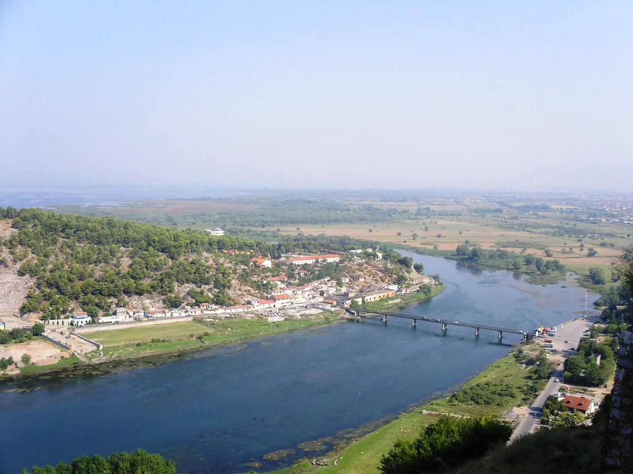 Osservatorio italiano albania fiume buna dragaggio - Letto di un fiume ...